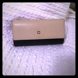 Kate Spade wallet. EUC